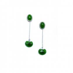 Our sweet and delicate jade drop earrings #epajewel ✨